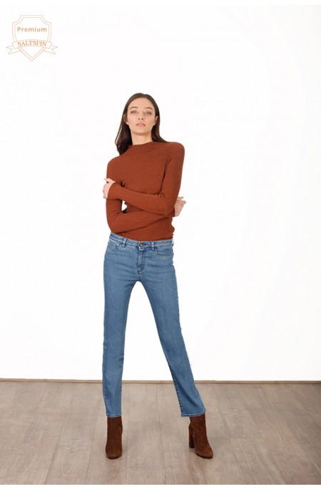 Hydrogen Mid-Wash Straight Jean
