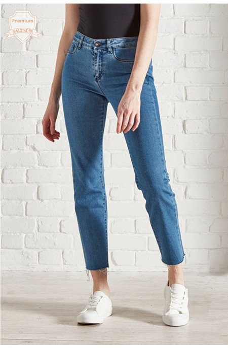 Radon Mid-Wash Cropped Jean
