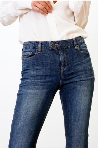Tanzanite Dark Wash Cropped Jean
